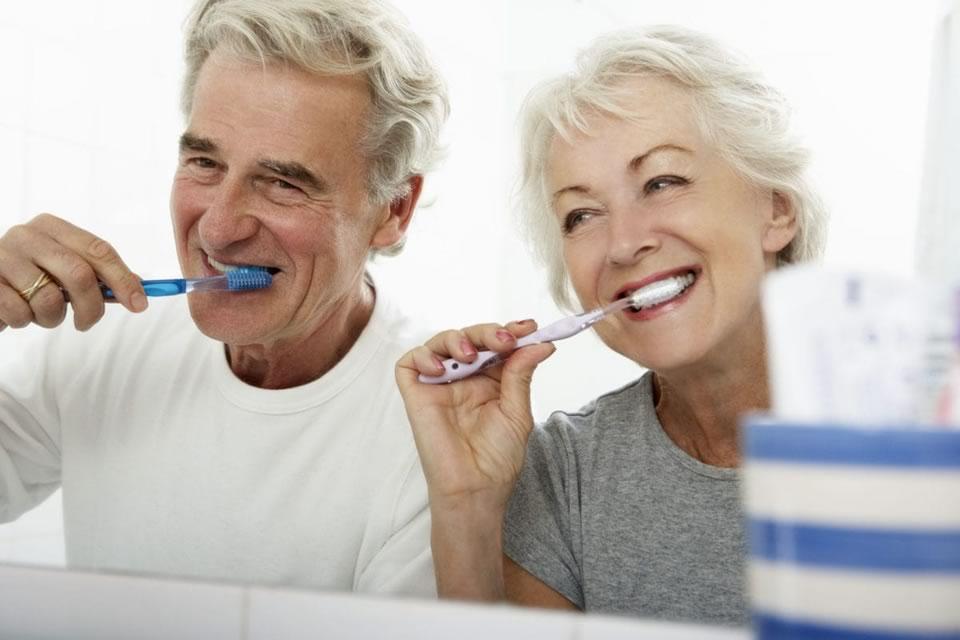 Dr López de Calatayud - Campaña Salud Oral en mayores